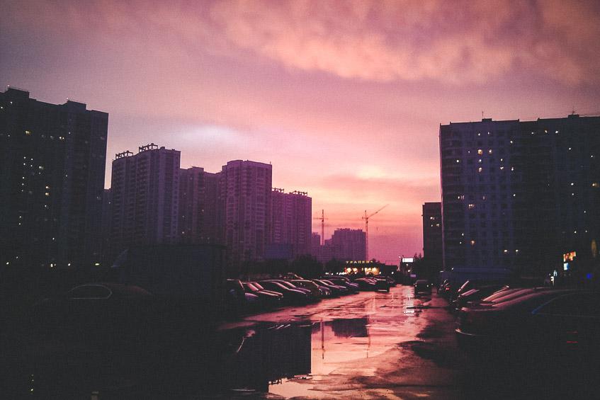 Марсианский закат в городе
